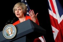 Nổ ở sân vận động của Anh: Chiến dịch vận động tranh cử được nối lại