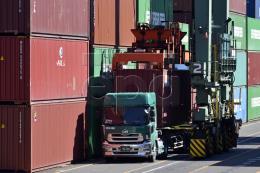 Nhật Bản ghi nhận thâm hụt thương mại đầu tiên trong 5 tháng