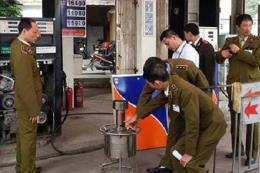 Hà Nội: Phạt tù nhóm nhân viên Cửa hàng Trần Khát Chân gian lận xăng dầu