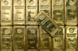 Giá vàng châu Á chạm mức cao nhất hơn bốn tháng qua