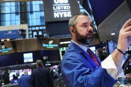 Chứng khoán Mỹ giảm điểm sau phát biểu của Chủ tịch Fed