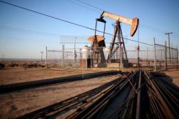 Giá dầu phục hồi trên thị trường châu Á