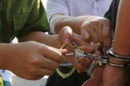 """Vụ """"lâm tặc"""" chống người thi hành công vụ ở Cà Mau: Đủ cơ sở để khởi tố vụ án"""
