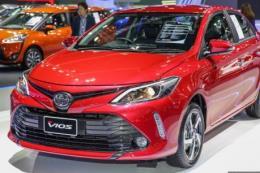 Doanh số toàn thị trường giảm, ô tô Toyota vẫn tăng 12% mức tiêu thụ