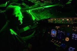 Tái diễn tình trạng chiếu đèn laze vào buồng lái gây uy hiếp an toàn bay
