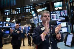Chứng khoán Mỹ tăng điểm trước mùa báo cáo lợi nhuận doanh nghiệp