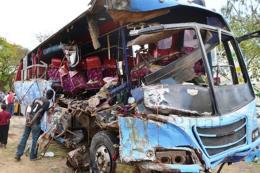 Tai nạn đường bộ thảm khốc khiến ít nhất 24 người chết