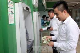 Các ngân hàng đồng loạt điều chỉnh phí rút tiền về mức cũ