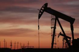 Giá dầu thế giới giảm do quan ngại nhu cầu thấp