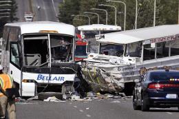 Va chạm xe buýt và xe tải, 19 người thiệt mạng