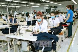 Công nhân Công ty may U World Sports Việt Nam đạt thỏa thuận trả lương theo tháng