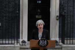 Nổ ở sân vận động của Anh: Thủ tướng T.May hối thúc NATO tăng cường chống khủng bố