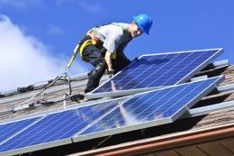 Số việc làm trong lĩnh vực năng lượng tái tạo tăng gần gấp đôi trong 5 năm