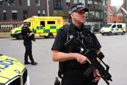 Bắt giữ thêm 3 nghi phạm trong vụ đánh bom liều chết tại Anh
