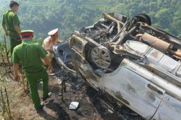 Xác định nguyên nhân ô tô lao vực, bốc cháy tại Lào Cai