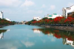 Hai tàu Hải quân Ấn Độ đã cập cảng thành phố Hải Phòng