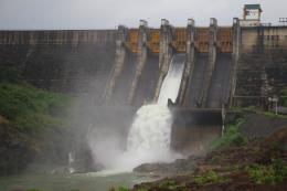 Chủ động ứng phó với nguy cơ đe dọa an toàn các công trình điện