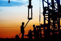"""Tuần """"ảm đạm"""" của giá dầu thế giới"""