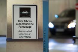 Bosch và Daimler hợp tác thử nghiệm công nghệ đỗ xe tự động