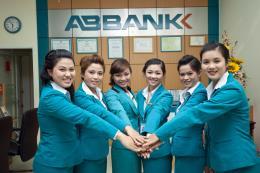 Ngân hàng ABBANK hợp tác tài trợ sinh viên khối kinh tế, tài chính khởi nghiệp