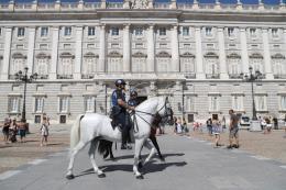 Cảnh sát Tây Ban Nha truy tìm nghi phạm lái xe tải vụ khủng bố