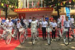 Canon tiếp tục đồng hành cùng học sinh hai tỉnh Bắc Giang và Bắc Ninh