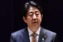 Bê bối mua bán đất công ảnh hưởng tới uy tín của Thủ tướng Nhật Bản
