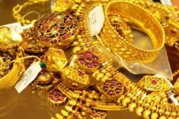 """Nhu cầu """"trú ẩn an toàn"""" đẩy giá vàng châu Á đi lên"""