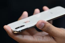 Đề xuất thay pin của Apple có thể ảnh hưởng đến doanh số bán iPhone