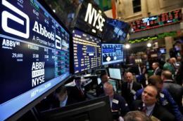 Thị trường chứng khoán Âu - Mỹ tăng giảm nhẹ