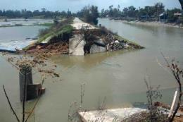 9 người chết, 4 người mất tích và 112 người bị thương do bão số 10