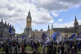 Vấn đề Brexit: Thiệt hại trên thị trường việc làm của EU và Anh