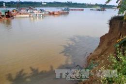 Sóng ngầm sông Lô - Bài 1: Tàn phá đất nông nghiệp, đe dọa sạt lở đê
