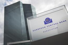 Lãi suất trái phiếu Eurozone giảm mạnh