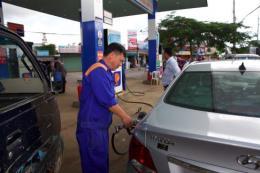 Giá bán xăng dầu giữ nguyên, Quỹ bình Petrolimex giảm 10 tỷ đồng