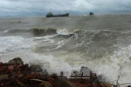 Dự báo thời tiết ngày 21/10: Vùng biển phía Nam mưa dông, gió giật cấp 7-8