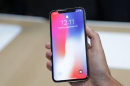 """""""Khan hàng"""" iPhone X tại Hàn Quốc"""