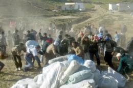 15 người thiệt mạng do chen lấn trong lúc phát lương thực cứu trợ