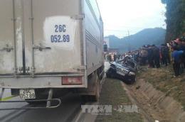 Xe ô tô con va chạm với xe tải, 4 người tử vong tại chỗ