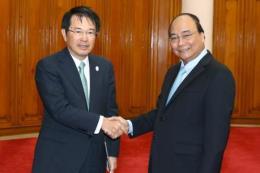 Thủ tướng Nguyễn Xuân Phúc tiếp Chủ tịch Phòng Thương mại và Công nghiệp Osaka, Nhật Bản