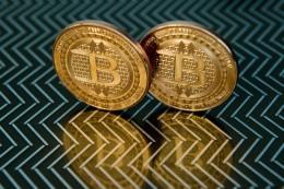 Bitcoin để tuột mốc 11.000 USD/bitcoin