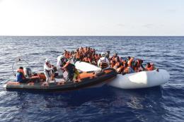 Hơn 700 người được giải cứu trên Địa Trung Hải