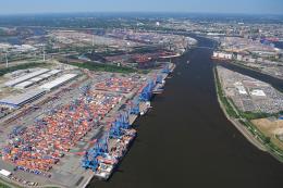 Nhập khẩu của Đức vượt xuất khẩu