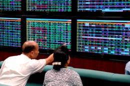 Chứng khoán chiều 25/12: Cổ phiếu vốn hóa lớn phân hóa mạnh