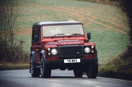 Land Rover tái xuất mẫu Defender V8 nhanh và mạnh nhất với số lượng giới hạn