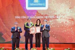 Vietnam Airlines lọt Top 50 doanh nghiệp xuất sắc nhất Việt Nam