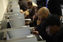 Mỹ: Thu nhập sau thuế của người lao động bắt đầu tăng theo quy định mới