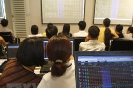 Tâm lý thận trọng của nhà đầu tư khiến thanh khoản hai sàn giảm mạnh
