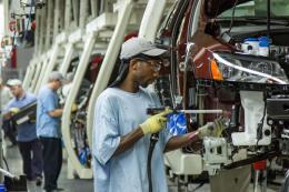 Thị trường lao động Mỹ tiếp tục thắt chặt