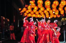 Rộn ràng Lễ hội mùa Xuân trong dịp Tết Âm lịch tại Singapore